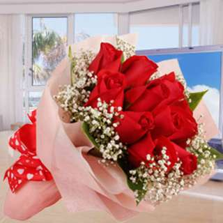 [FREE DELIVERY] 12 Red Roses with Baby Breath Hand-bouquet (052-RR)