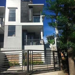 For sale townhouse in La Colina Antipolo City