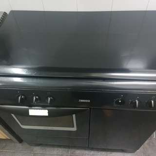 Zanussi gas stove and electric oven