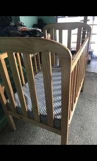 preloved wooden crib