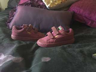 Kids puma shoes size 7