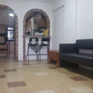 2+1 Marsiling Lane Bk 12 furn flat for rent, no ac, immed.