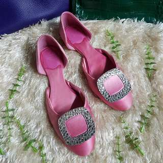 Authentic Roger Vivier In Pink Satin Cystal Buckle Ballerina Flats Size 36
