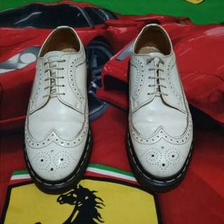 Brogues white