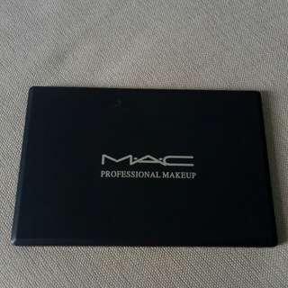 M.A.C Eyeshadow Palette (4×7)