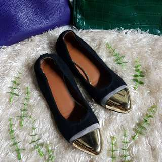 Authentic Givenchy Gold Captoe Ballet Flats Size 35