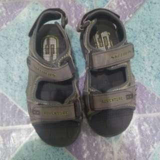 Preloved sandals for boy. No issue. (Skecher)