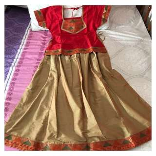 Traditional Indian costume for girls ( Pavadai set)