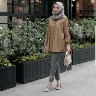 Thania basic blogger top