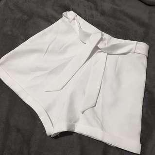 NEVER WORN - WHITE TIE HIGHWAISTED SHORTS