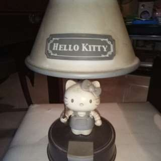 Hello Kitty 枱燈