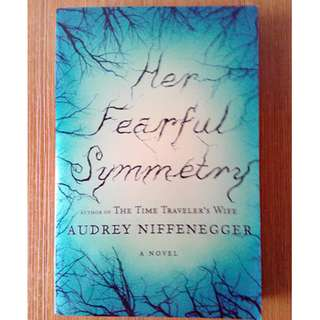 Her Fearful Symmetry (Preloved, Paperback)