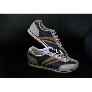 Retro Tommy Hilfiger Sneakers