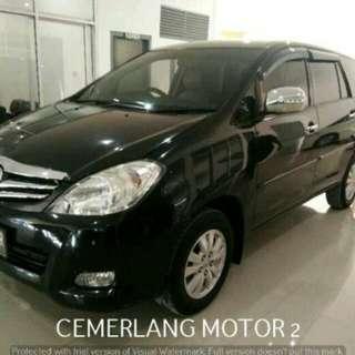 Toyota Innova V Luxury MT 2010