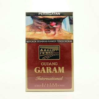 Rokok Gudang Garam International Filter 12 batang