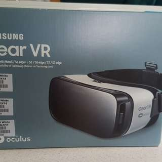 Samsung VR Gear with FREE TOTEBAG