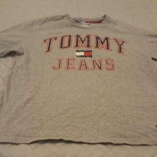 Tommy jeans size medium grey shirt