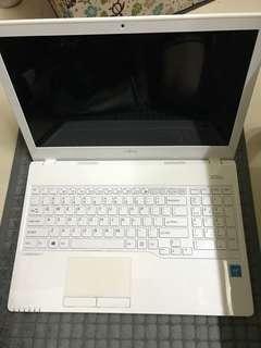 FUJITSU 手提電腦 AH555