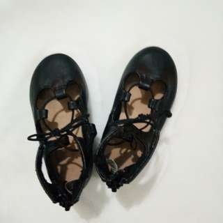 Sale! Sale! Old navy shoes s6 12.5 to 13.5 cm