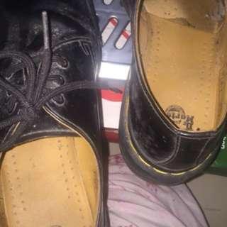 Doc martens low top shoes