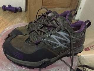 Northface hiking shoes (hedgehoghike) 6.5