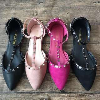 Size 35-41 Studded Pointed Toes Flat