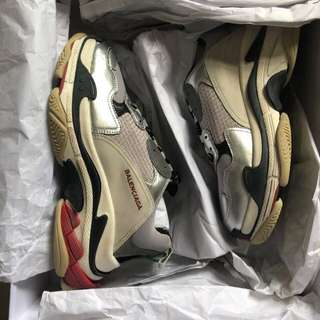 Triple S silver red size 43