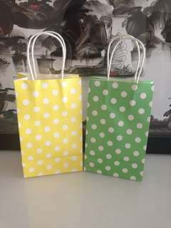 Do it yourself goody bag / colorful Polka dot paper bag