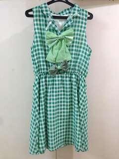 Kawaii green ribbon dress