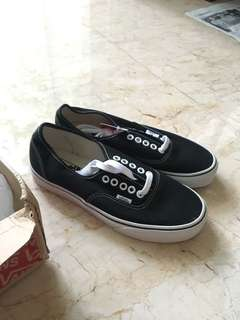 NEW Vans authentic black white classic BU