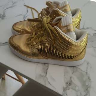 Reebok shoes Urlead Mid Twist Matte Gold And White Leather Dance Shoes - 5 UK