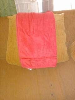 Handuk merah