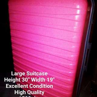 High Quality and Excellent Condition Suitcase
