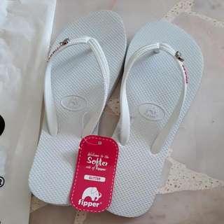 Fipper BN Authentic White Color Sandal