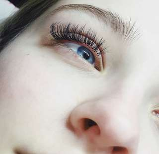 ONLY $60 EYELASH EXTENSIONS!