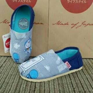 Sepatu wakai anak doraemon