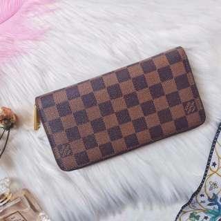 Louis vuitton(LV) zippy wallet