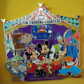 Disney pin jumbo 迪士尼徽章 襟章