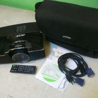 Acer ES-12 Projector w/ Clicker