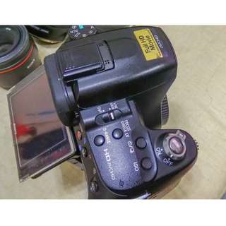 SELLING SONY A580 DSLR WITH 1 BATTERY AND 16-105 LENS