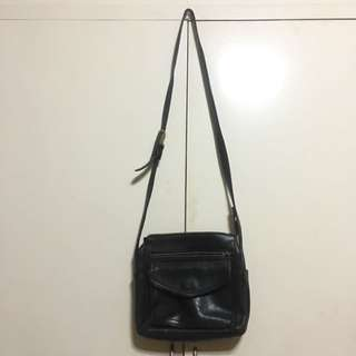 Authentic Fossil Genuine Leather Messenger/Sling Bag
