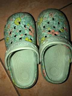 Cotton On rubber clogs (5-6 yrs old)
