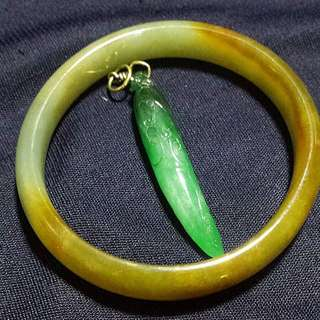 Jade Bangle And Jade Pendant with Gold Hook
