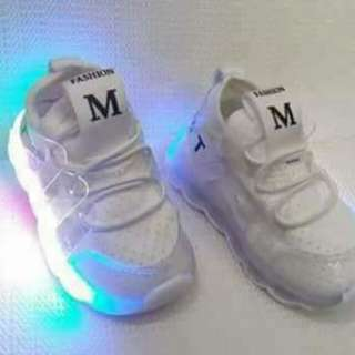 Led Light Shoes . size 22 to 27