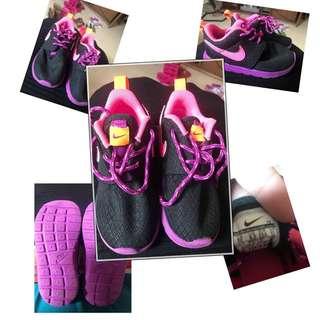 Nike Rosherun Black  Purple Pink 2-3 yo