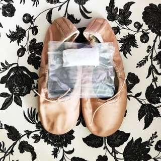 Bloch Ballet Flats Size 2.5 w Brand New Ribbons Bloch Ballet Dance Shoes