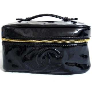 AUTHENTIC CHANEL VANITY CASE IN PATENT LEATHER
