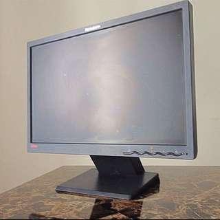 """Lenovo 17"""" Monitor"""