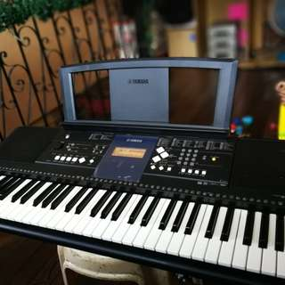 Yamaha PSR-E333 Portable Keyboard