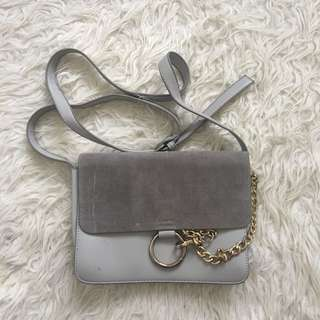 Tas abu suede peather chain